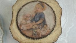 Шкатулка ′Лизонька с куклой′