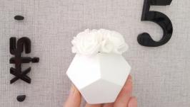 Мини-композиция. Белый шар с розочками.