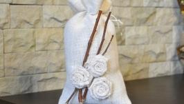 Декоративный мешочек из белой мешковины и веточек. Декор интерьера рустик