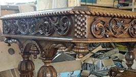 Стол деревянный резной