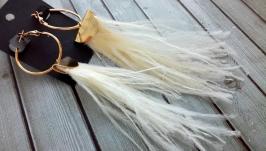 Модные серьги - трансформеры из перьев страуса кремового цвета