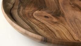 Деревянное блюдо из грецкого ореха