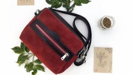 Женская кожаная сумка на пояс ′Кориандр′ (красная с черным)
