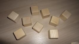 Ясень. Заготовки для рунических кубиков (гадальных костей)