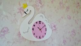 Настенные часы Лебеди