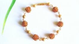Золотой браслет из бисера Браслет на подарок девушке