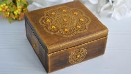 Дерев′яна шкатулка для прикрас з ручним розписом