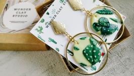 Крупные серьги - кольца золотые с зелеными кактусами, суккулентами
