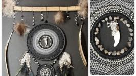 Ловец снов - Клык волка, перья, натуральные камни, мех.