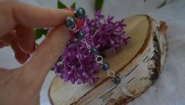 Асимметричные серебряные серьги с черным жемчугом ′Перо Жар-птицы′