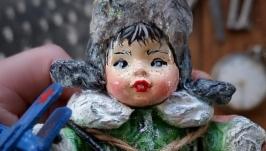 Іграшка новорічна ′Хлопчик з літачком′