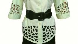 Светло салатовая блуза Yang с шелковой вышивкой и ажурными деталями