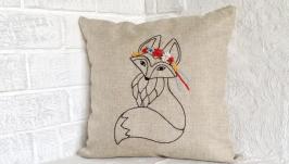 Інтер′єрна подушка з ручною авторської вишивкою: лисиця в віночку