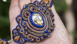 Широкий браслет с кристаллом