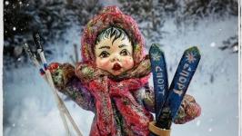 Іграшка новорічна ′Дівчинка лижниця′