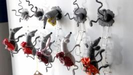 Магнит «Мыши-воры»