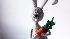 Зайка с букетом моркови