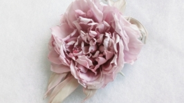 Брошь-цветок розовый пион