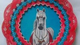 Деревянная тарелочка ′Король - араб′