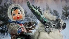 Іграшка новорічна ′Хлопчик на олені′
