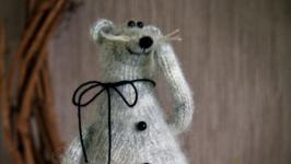 тут изображено Интерьерная игрушка Крыс
