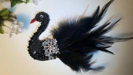 Черный лебедь брошь. Украшения к платью. Идея подарка.