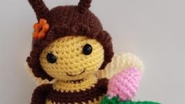 Пчелка Жужа