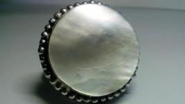 Кольцо 21 перламутр белый натуральный