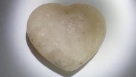 тут изображено Сердечко Кварц Натуральный камень