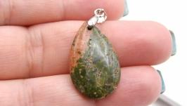 Подвеска Уп15 унакит капля натуральный камень зеленый