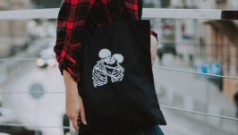 Eco bag with embroidery ′Skeletons in love′