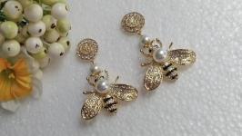 Оригинальные серьги с пчёлками.