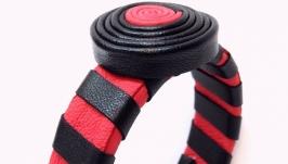 Эффектный женский браслет из красной и черной натуральной кожи
