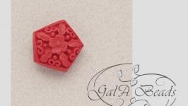 097 Бусины Киноварь имитация резные пятиугольник.