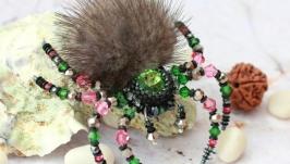 Брошь ′Зелено-розовый паук′