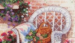 Вышитая картина ′Уютный дворик′