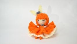 Кукла в пышном платье