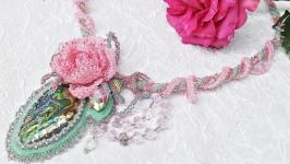 Колье с натуральным гелиотисом ′Розовый сон′