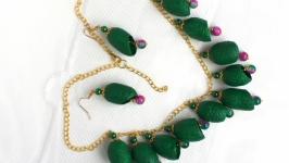 Ожерелье и серьги из коконов шелкопряда ′Лесная тайна′