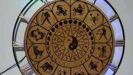 Часы настенные с подсветкой