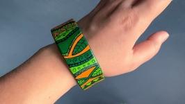 Деревянный браслет расписной зеленый