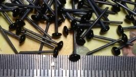 Glass eyes on wire flat shape diameter 3 mm Black
