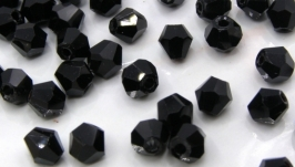 Биконусы 10 шт хрустальные бусины 4.5х4 мм черный