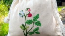 Bag for storing strawberry herbal tea