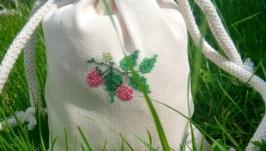 Bag for storing  raspberry herbal tea