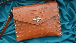 Кожаная сумка ′КОРОЛЕВА ПЧЁЛ′