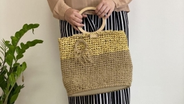 Jute and raffia bag with wooden handles