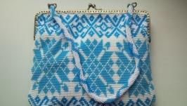 Бисерная сумочка ′Снежная′