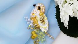 Желтая брошь птица из бисера