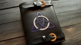 Шкіряний блокнот Книга тіней з кельтським трискеліоном (чорний)